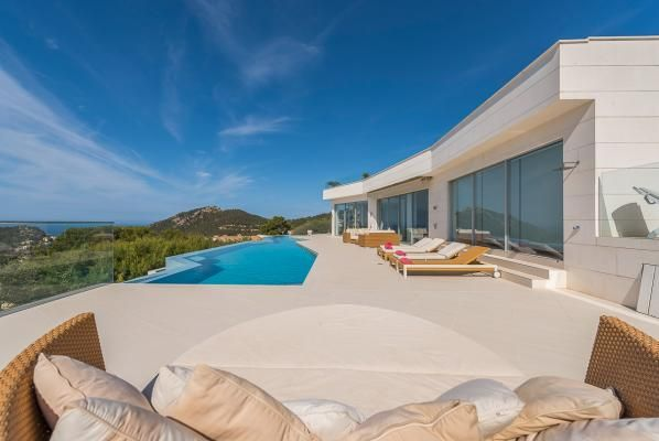 Stunning renovated ultra #modern #villa in #mallorca #realestate