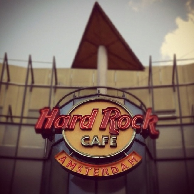 17 best images about hard rock cafe on pinterest prague rome and hard rock hotel. Black Bedroom Furniture Sets. Home Design Ideas
