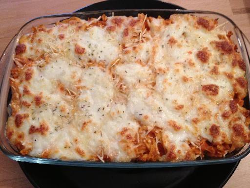 poivre, échalote, crême fraîche, concentré de tomate, mozzarella, ail, herbe, pâtes, sel, thon, fromage râpé