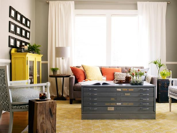 Flat file coffee table. Love this!Coffe Tables, Colors Combos, Coffee Tables, Living Rooms, Living Room Colors, Brooklyn Apartment, File Cabinets, Flats File, Hgtv Magazine