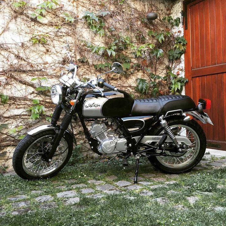 Elle est enfin là !! :) Nouvelle #passion, nouveau feu d'paille ! #Moto #Orcal #Astor From #N6 to #Road66, #HitTheRoadJack
