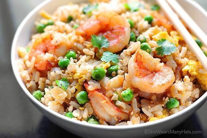 Réalisez votre propre riz sauté aux crevettes à la maison comme au restaurant, tout simplement génial!   @Shewearsmanyhats Voyagez en Asie et régalez-vous comme dans votre...