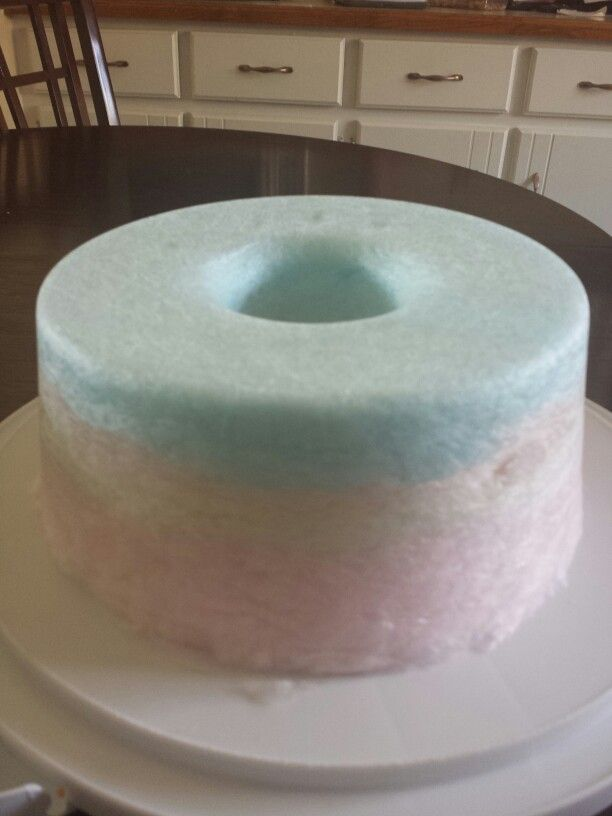 Undecorated roundcotton candy cake