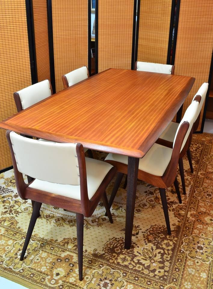 Stylish dining indeed - wood grain top, plastic covered seating and on carpet too. A candle-lit dinner for sure!!!