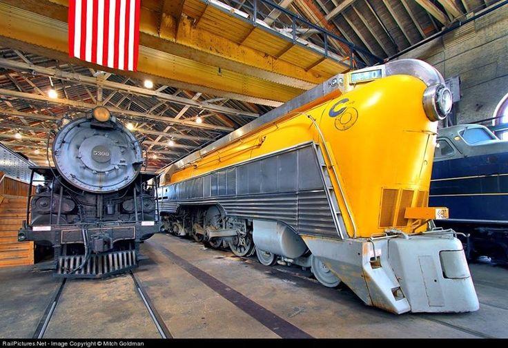 No. 490 foi construído pela Locomotive Company americana (ALCO) para a Chesapeake & Ohio Railway (C & O) em 1926. Como um dos cinco F-19 4-6-2 locomotivas do Pacífico construídos para a C & O, o nº . 490 foi usado em trens de passageiros no leste da linha principal de Charlottesville e oeste de Clifton Forge.