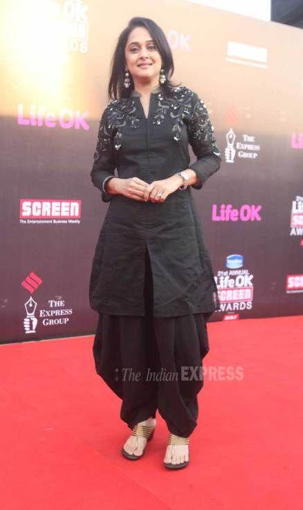 #ScreenAwards #Bollywood #Fashion #Black
