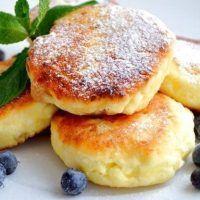 Kalorienarme Quarkpfannkuchen ohne Mehl.