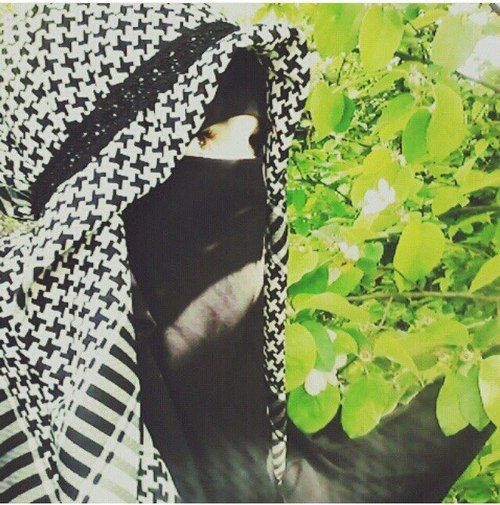 Niqab with Keffiyeh