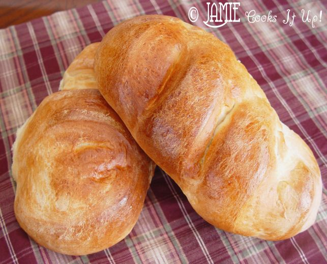 Best French Bread Recipe ever! So easy and cheap, and so yummy! Perfect crusty outside, soft yummy inside.