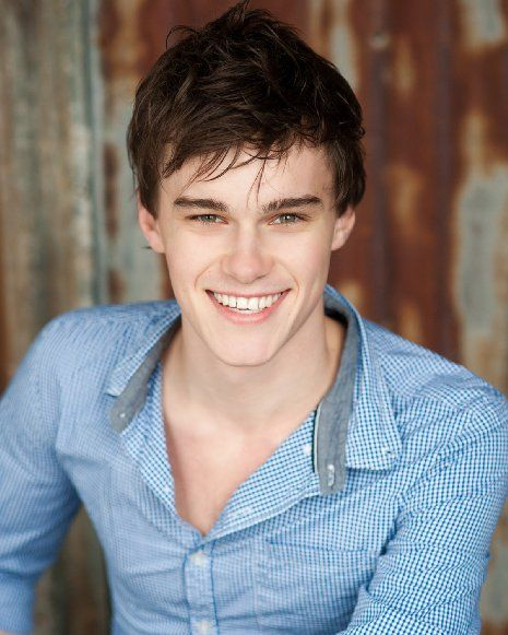 Pictures & Photos of Mitchell Hope - IMDb