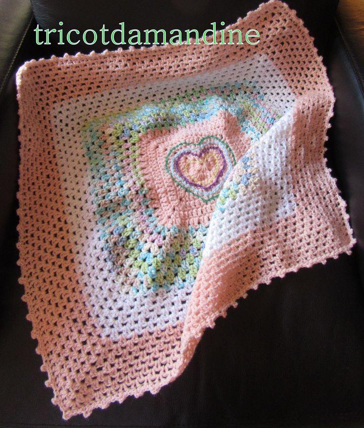 couverture pour le noel 2017 des bb de la maternité de Melun http://tricotdamandine.over-blog.com/2017/04/jeudi-jour-du-defi-granny-chez-dane.html