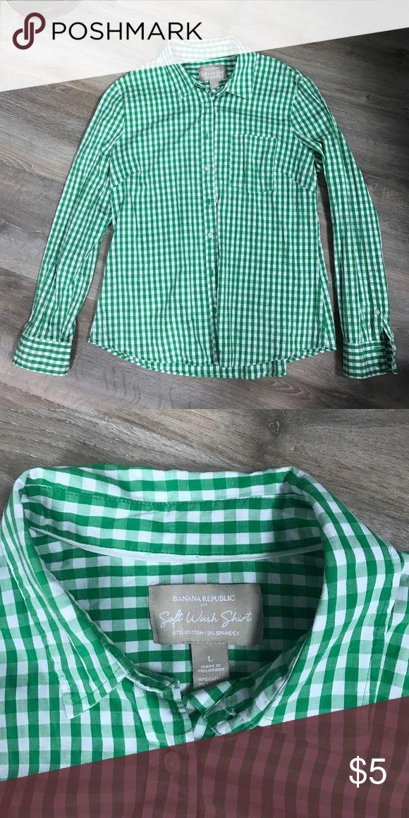 Banana Republic shirt Banana Republic Button Down shirt Size L. Like new. Green & white Banana Republic Tops Button Down Shirts