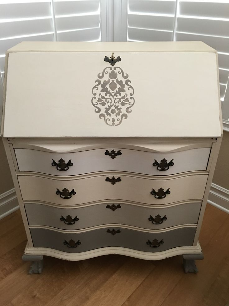 Antique secretary desk painted with Annie Sloan chalk paint: French Linen, 50/50 French linen and white, Old White, Pure white and Old Ochre.