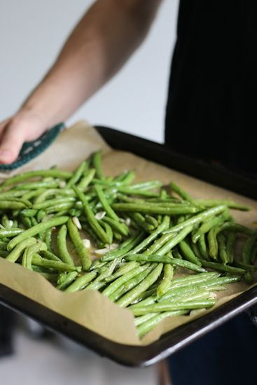 Roasted Green Beans w/ Garlic and Olive Oil - Chocochili.net