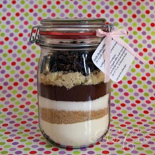 Sarahs Torten und Cupcakes: DIY: Cookie-Backmischung im Glas
