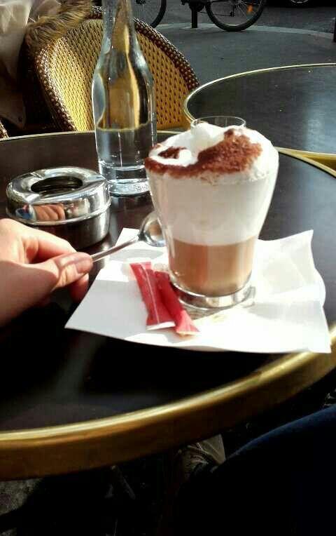 Coffee in Paris #iloveparis #autumn #cream