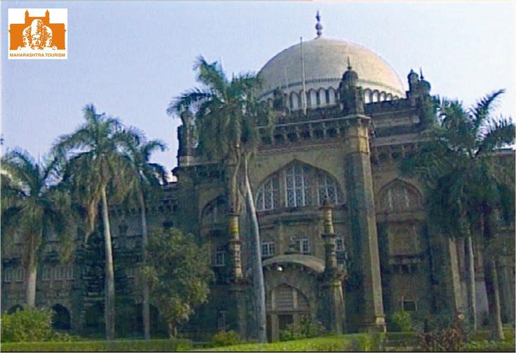 This museum is also known as Bhau Daji Lad Museum, as Bhau Daji Lad put all his efforts to establish this museum. The museum has Mumbai city's past item like archaeological finds, maps and photographs.