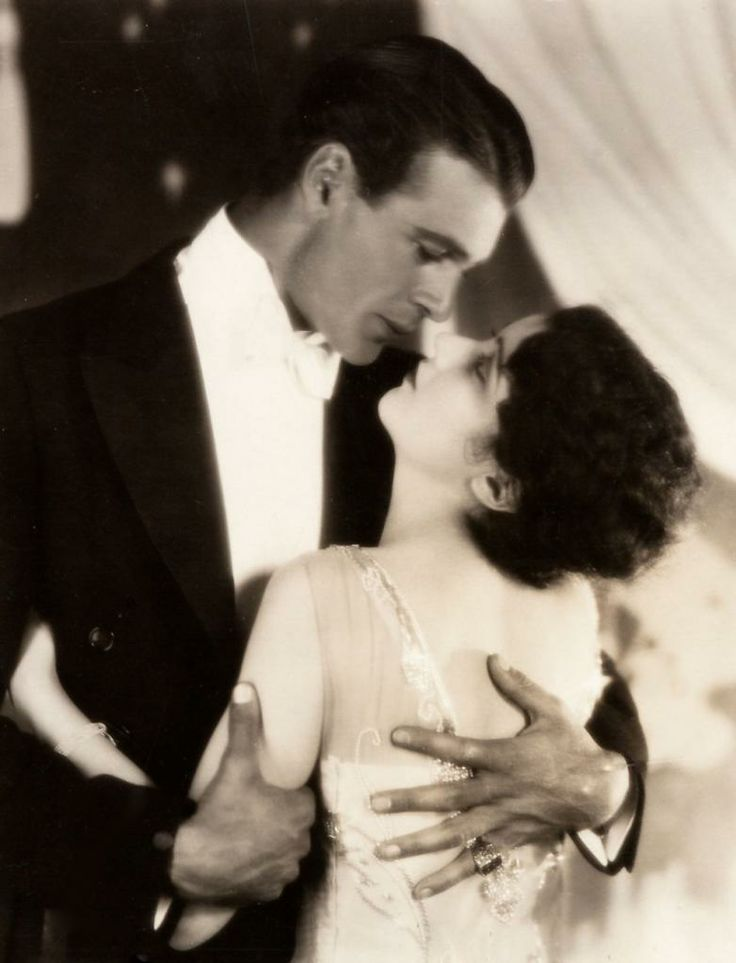 Gary Cooper and Fay Wray