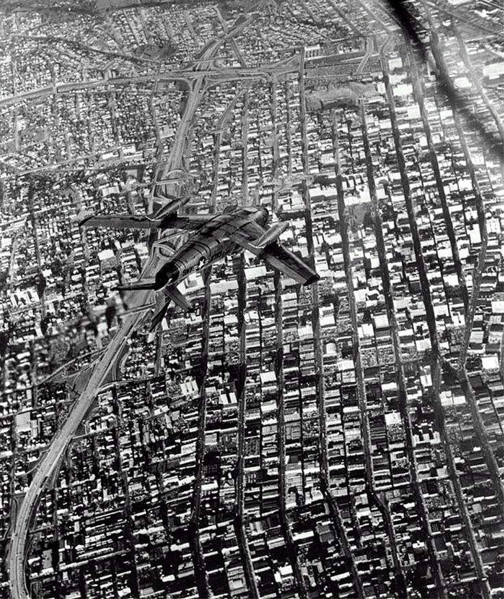 A jet fighter maneuvers high above downtown Los Angeles, 1954.Angels, Bygones Los, Downtown Los Angeles, Fighter Maneuver, California History, Fighter Jet, Los Angels, Jet Fighter, Fly Machine