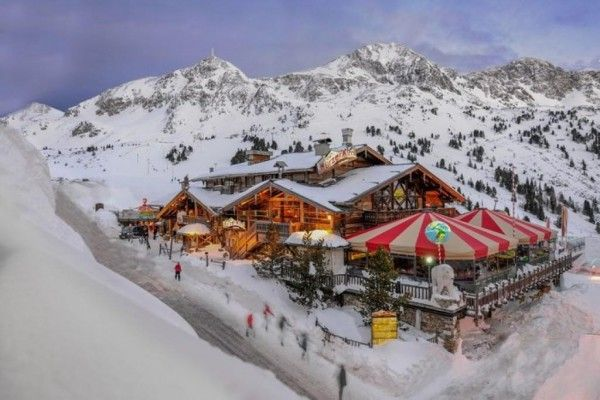 Lürzer Alm, Obertauern. Check my blog on Ludwigs' Top 5 Apres-ski Party Places. http://ludwigs.nl/ludwigs-top-5-apres-ski-party-places/