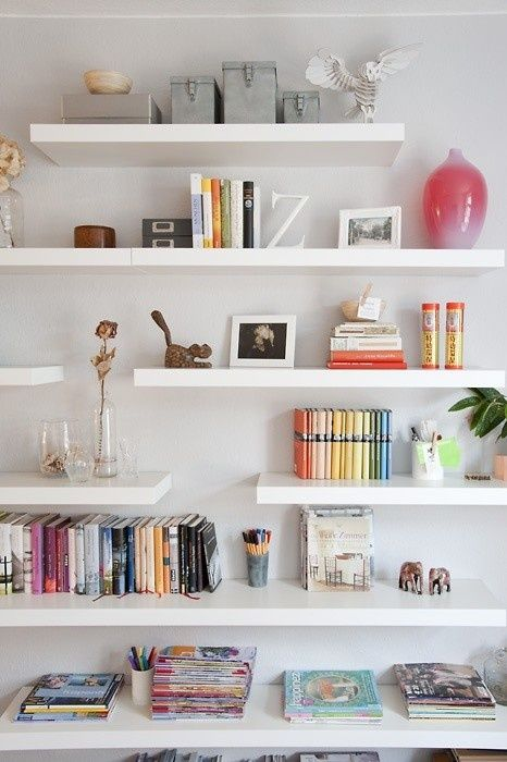 Home organization - Floating shelves staggered Cute!