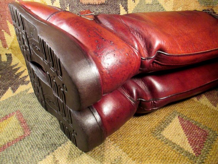 """Used but not abused! Otherwise - polished to 3 dimensional perfection, super clean inside and out, glove leather lined, Vibram Gumlite soles in great condition! length -12 14/16"""". vamp - 8"""". width - 4"""". 