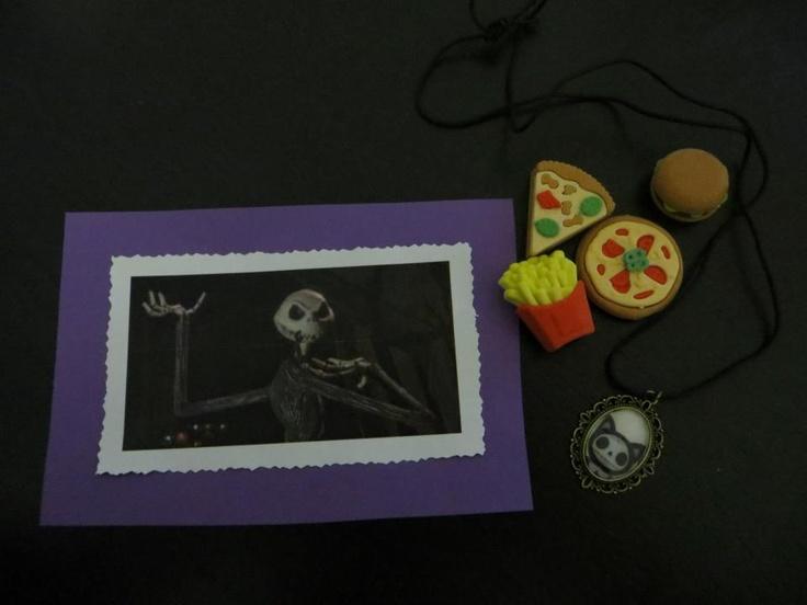 Päivän Pikaiset x1 Päiviltä: Jack Skellington-kortti terveisineen (itsetehty!), Barbie-ruokia ja Furry Bones -kaulakoru (itsetehty!)