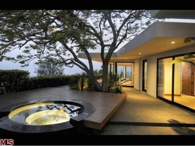Jen Aniston Renting Madeover Hal Levitt in Trousdale Estates - Celebrity Real Estate - Curbed LA