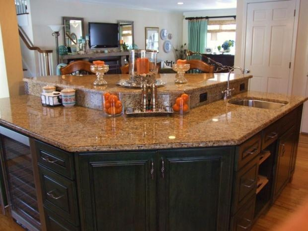 An Oddly Shaped Kitchen Island: Like The Shape Of This Kitchen Island