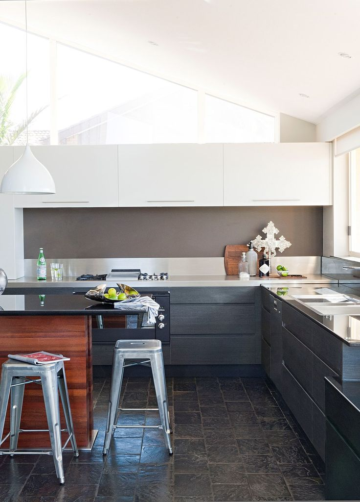 A wonderful kitchen makeover with thoroughly modern style
