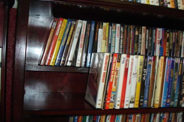 1000+ Ideas About Dvd Storage Solutions On Pinterest
