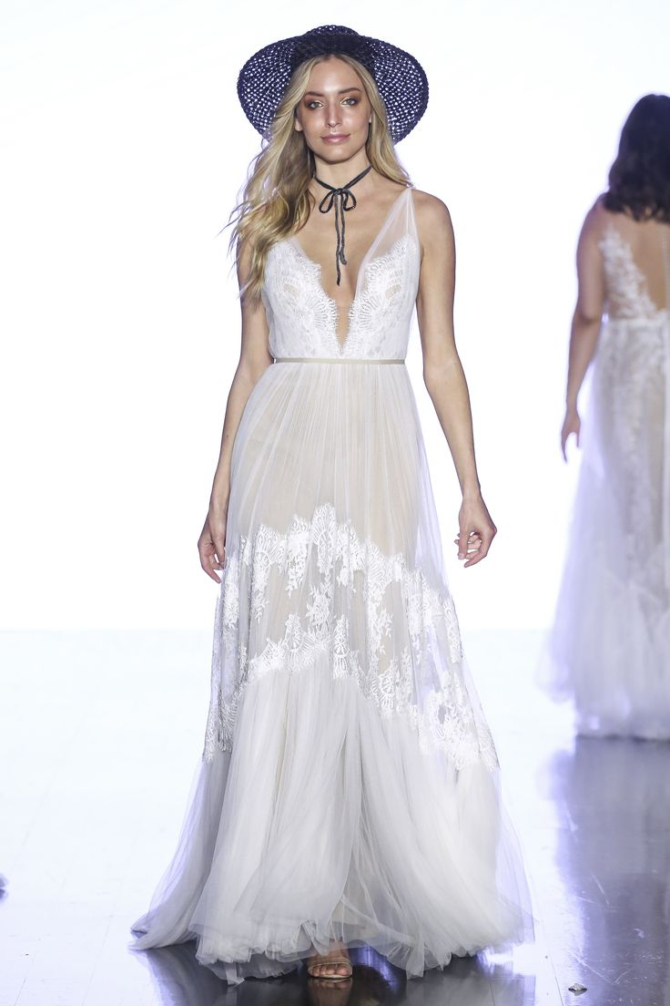 Festival wedding dress Clementine by Willowby in 2020