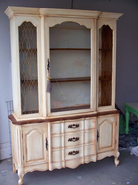 the Crafty Woman: French Provincial Hutch