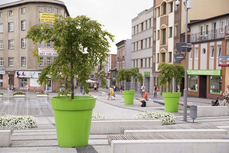 Drzewa w donicach XXL - jak zazielenić miasta?   Inspirowani Naturą   big flower pots for cities by terraform.pl - model Gianto