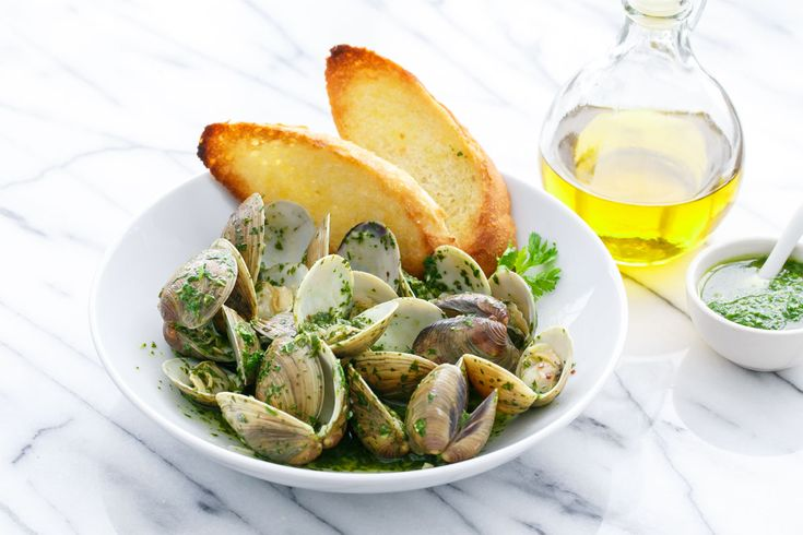 Nice recipe! Mojo Clams with Olive Oils from Spain (Steamed Clams with Green Mojo Sauce) Let it surprise you!!