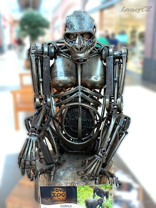 metal art sculptures - gorilla