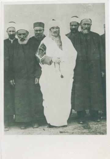 Atatürk'ün çok az bilinen fotoğrafları - Atatürk'ün az bilinen fotoğrafları müzayedede satılacak AA 15 Temmuz 2013 http://www.hurriyet.com.tr/kultur-sanat/haber/23719468.asp