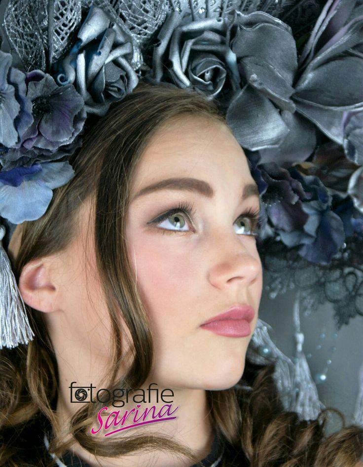 Portret. Fotografie. Photoshoot. Beauty. High Fashion. Couture. Head. Wig. Make-up. Thirteen. Girl. Fotograaf. Foto. Glamour. Portret. Fotografie Sarina. Model.