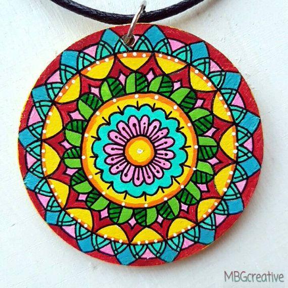 Bekijk dit items in mijn Etsy shop https://www.etsy.com/nl/listing/488380850/necklace-with-handpainted-wooden-pendant