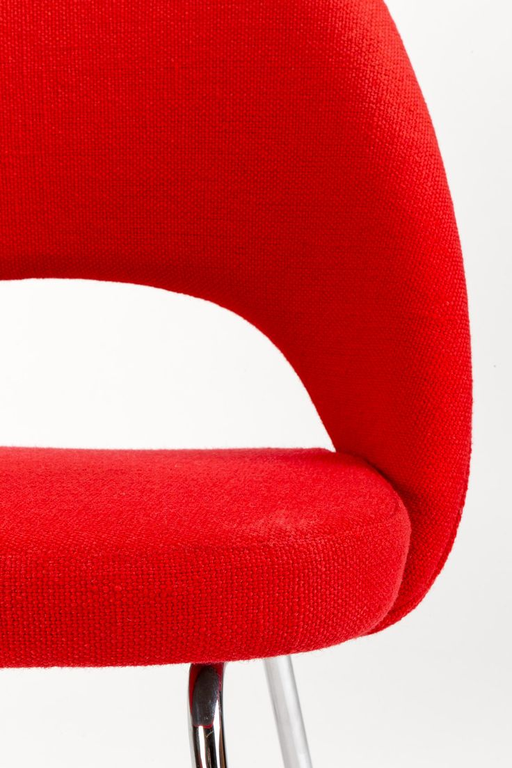 Designer: Eero Saarinen  Manufacture: Chair Knoll International Material: Wool, wood, chromed metal Description: A very classical Saarinen chair in top dondition sold by Wohnbedarf 70', professionaly cleaned and in very good condition with the orginal upholstery.  CHF 820