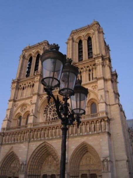I took this photo in Paris 2009 - Notre Dame