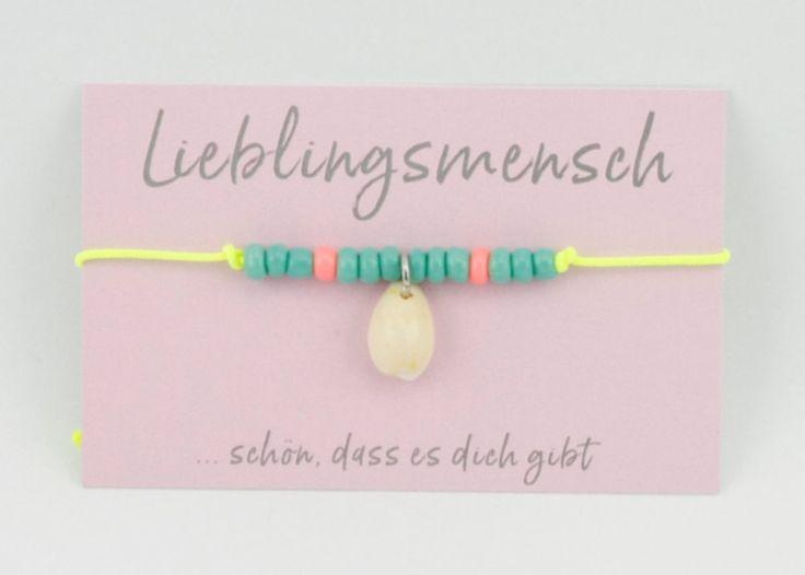 Armbänder - Armband neon *Lieblingsmensch* Muschel - ein Designerstück von Carjou bei DaWanda