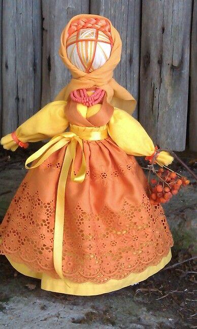 Кукла-мотанка Рябинка