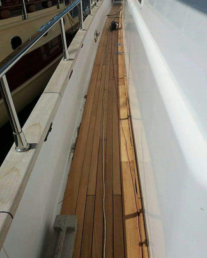 #qwerty  Για ακόμη μια φορά η είμασταν εκεί να προμηθεύσουμε με τα υλικά μας άλλο ένα deck. Tikalflex C12 για την κόλληση του deck μέτα θα εφαρμοστεί Teak Solution Seam Sealant για φινίρισμα ως λάστιχο αρμού χωρίς την χρήση primer 2104611554 2104630676 6974065838 6972179416 www.theppsltd.thepps.eu  Η ΛΥΣΗ