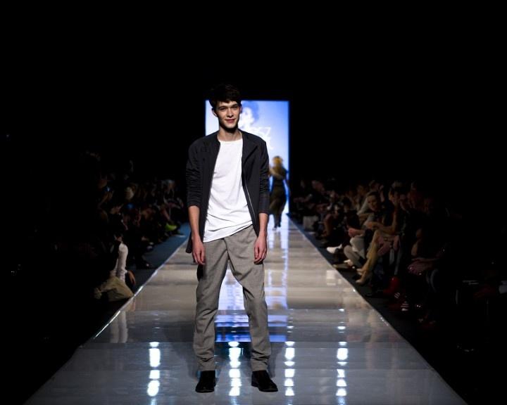 Łukasz Jemioł Basic. Zobaczcie jak wyglądał najradośniejszy pokaz Fashion Philosophy Fashion Week Poland! Więcej na http://yesismybless.com/lukasz-jemiol-basic/