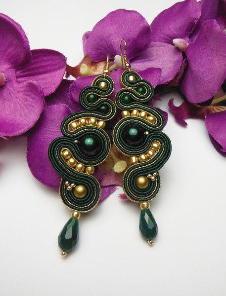 Stoffohrringe - Orientalische Ohrringe SOUTACHE gold grün smaragd - ein Designerstück von Soutacheria bei DaWanda