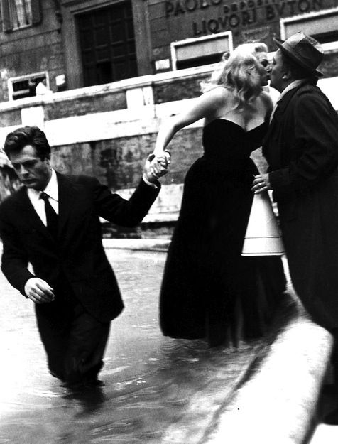 Marcello Mastroianni, Federico Fellini, Anita Ekberg on the set of La dolce vita (1960)