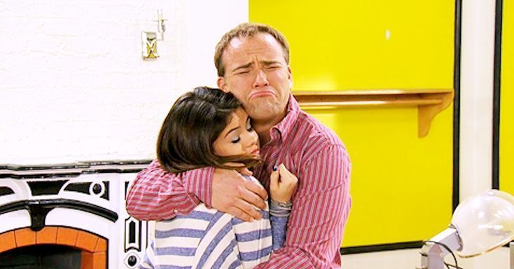 """Selena Gomez's """"Wizards of Waverly Place"""" Dad Made the Most Dad Joke About Her and the Weeknd  via Seventeen  Wizards of Waverly Placedad David DeLuise  excuse me Jerry Russo  proved he's a dad through and through by making a total dad joke on Instagram. While his caption excitedly announces """"Look!!! I ran into@selenagomezand@theweeknd"""" the photo itself tells a different story. Take a look:  Okaaaaaaay. I mean I guess he's not wrong? David btw is a dad off-screen too to his daughters Riley…"""