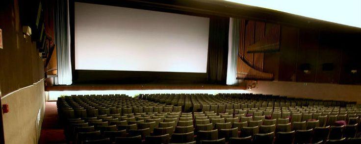 Cierran los cines Palafox de Madrid con un ciclo de clásicos  De Elena Rodríguez ▪ miércoles, 08 de febrero de 2017 - hace 5 horas y 42 minutos  La mítica sala de la capital cerrará sus puertas para siempr... http://sientemendoza.com/2017/02/08/cierran-los-cines-palafox-de-madrid-con-un-ciclo-de-clasicos/