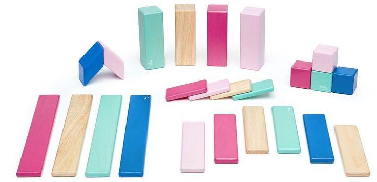 """Mit dem coolen Tegu Set und den verschiedenen Baustein-Formen kann der Bauspaß mit """"Aha-Effekt"""" beginnen. Ein cooler Spielspaß für kleine & große kreative Kinder. Mehr Infos findet Ihr unter www.kleinefabriek.com"""